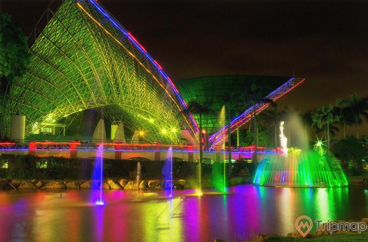 Ánh đèn lung linh của sân khấu nhạc nước Tuần Châu