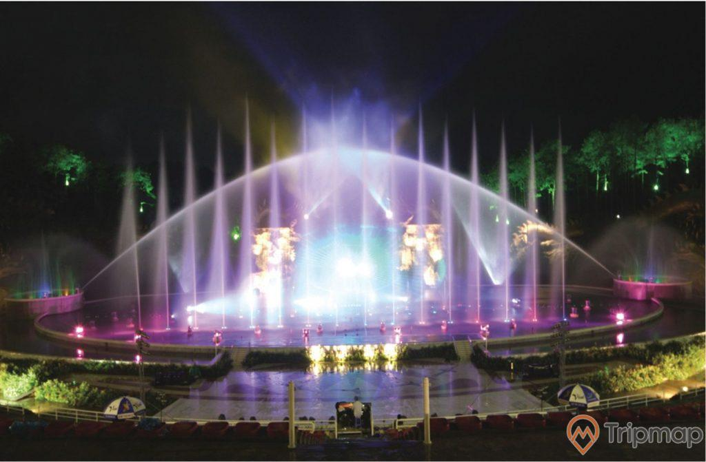 San khấu nhạc nước Tuần Châu về đêm