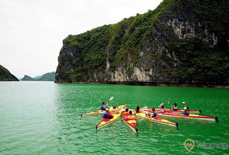Chèo thuyền Kayak tại Vịnh Bái Tử Long