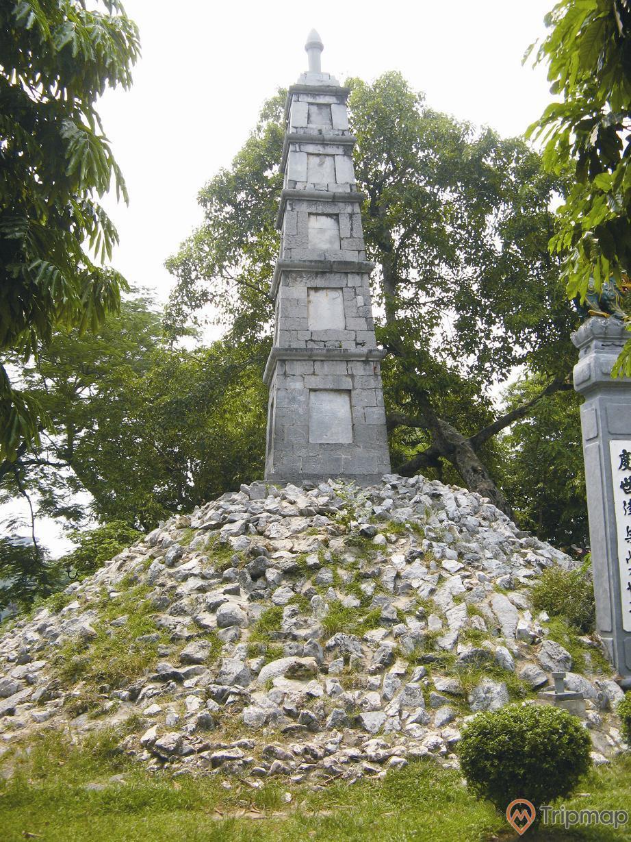 Tháp Bút Đền Ngọc Sơn