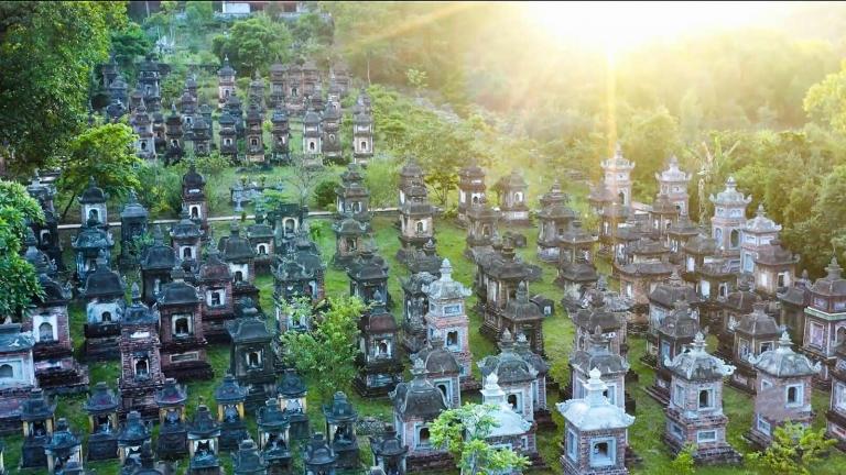 Vườn tháp Bổ Đà