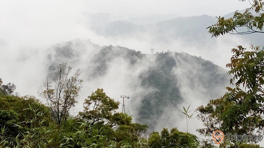 Am Ngọa Vân 4 mùa mây mù bao phủ
