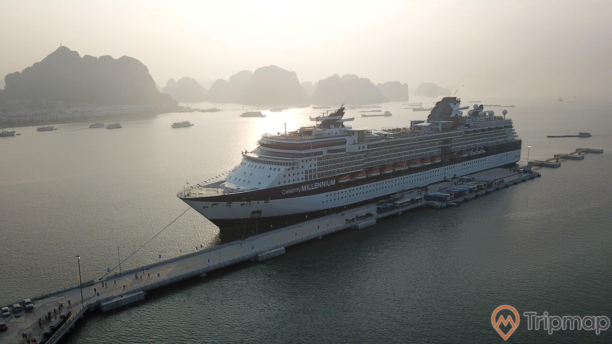 Khung ảnh Cảng Quốc tế Hạ Long khiến du khách say mê bởi vẻ đẹp khó quên