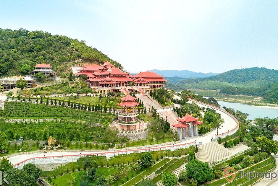 Quảng cảnh toàn bộ chùa Cái Bầu - Thiền viện Trúc Lâm Giác Tâm nhìn từ phía trên cao
