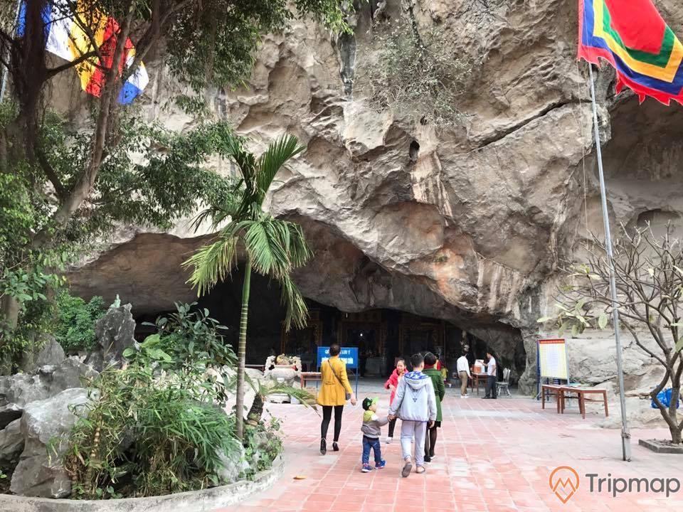 Vãn cảnh chùa Hang Son vào những ngày thường nhật