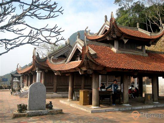 Chùa Hoa yên được xây dựng đầu tiên vào thời nhà Lý