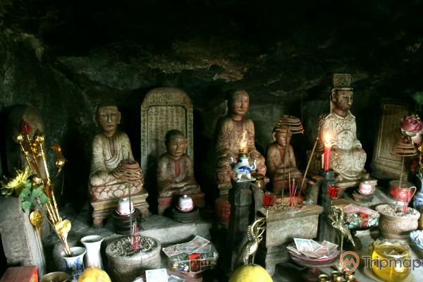 Tượng thờ trong chùa Một Mái, Yên Tử