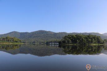 Điểm du lịch sinh thái Hồ Yên Trung
