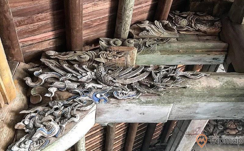 Đường nét chạm khắc rồng tỉ mỉ trong đình Quan Lạn, Ngôi đình thiêng 300 tuổi bên sóng nước