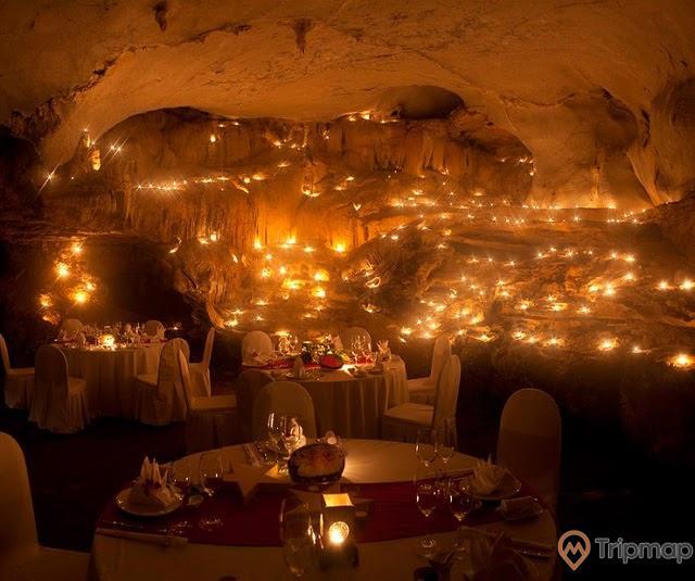 Bữa tiệc tối lung linh huyền ảo bên trong hang Trống