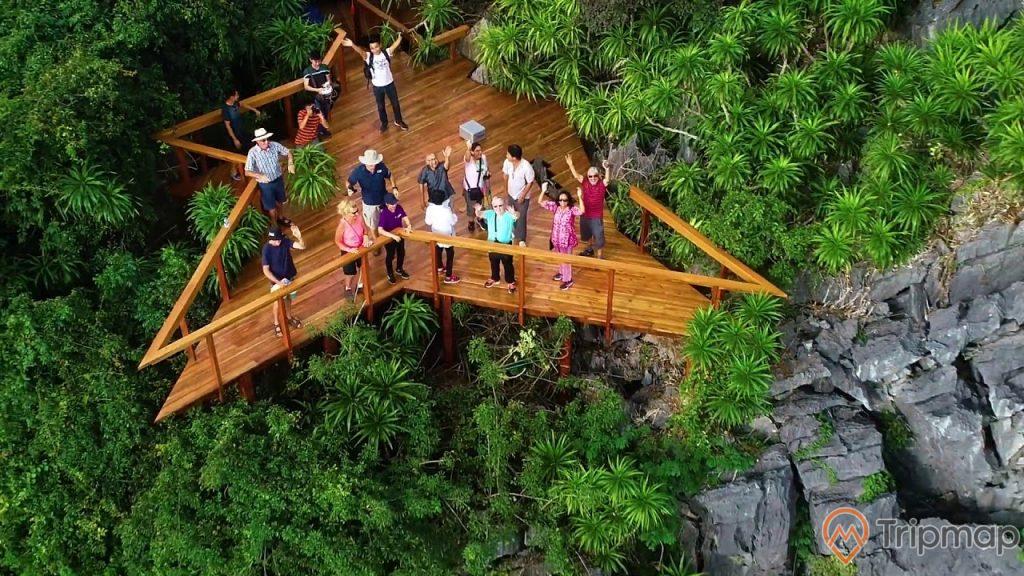 Cầu trên đảo Soi Sim