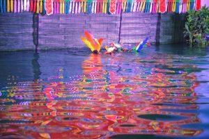 Sân khấu múa rối nước Ánh Trăng, mô hình chim công dưới nước