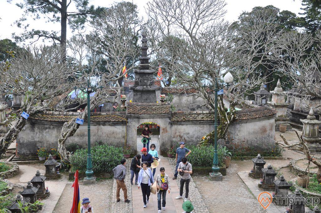 Bảo tháp Huệ Quang - nơi lưu giữ xá lợi của Phật Hoàng Trần Nhân Tông
