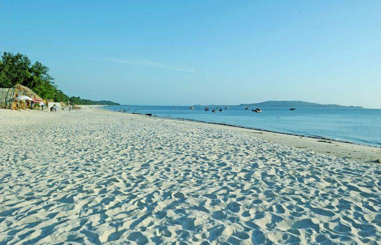 Bãi biển Vàn Chảy