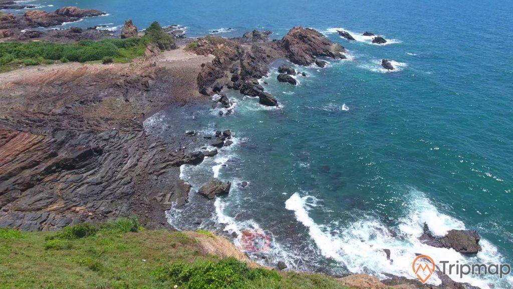 Bãi đá Cầu Mỵ trên đảo Cô Tô
