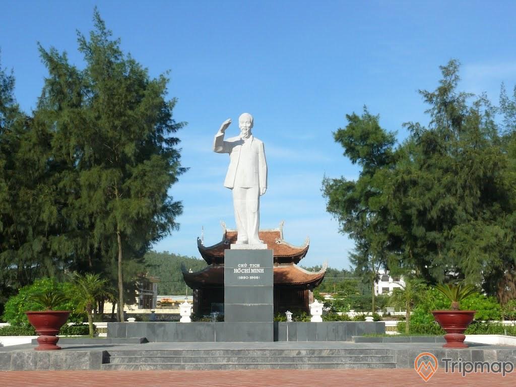 Khu Di tích lưu niệm Hồ Chủ tịch trên đảo Cô Tô