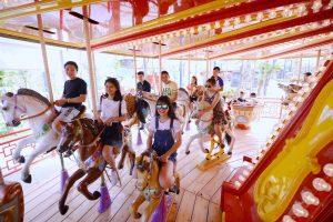 Royal Carousel: Đu Quay Kỳ Diệu