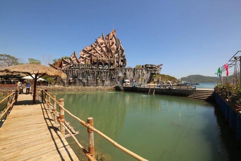 Hồ cá Trí Nguyên