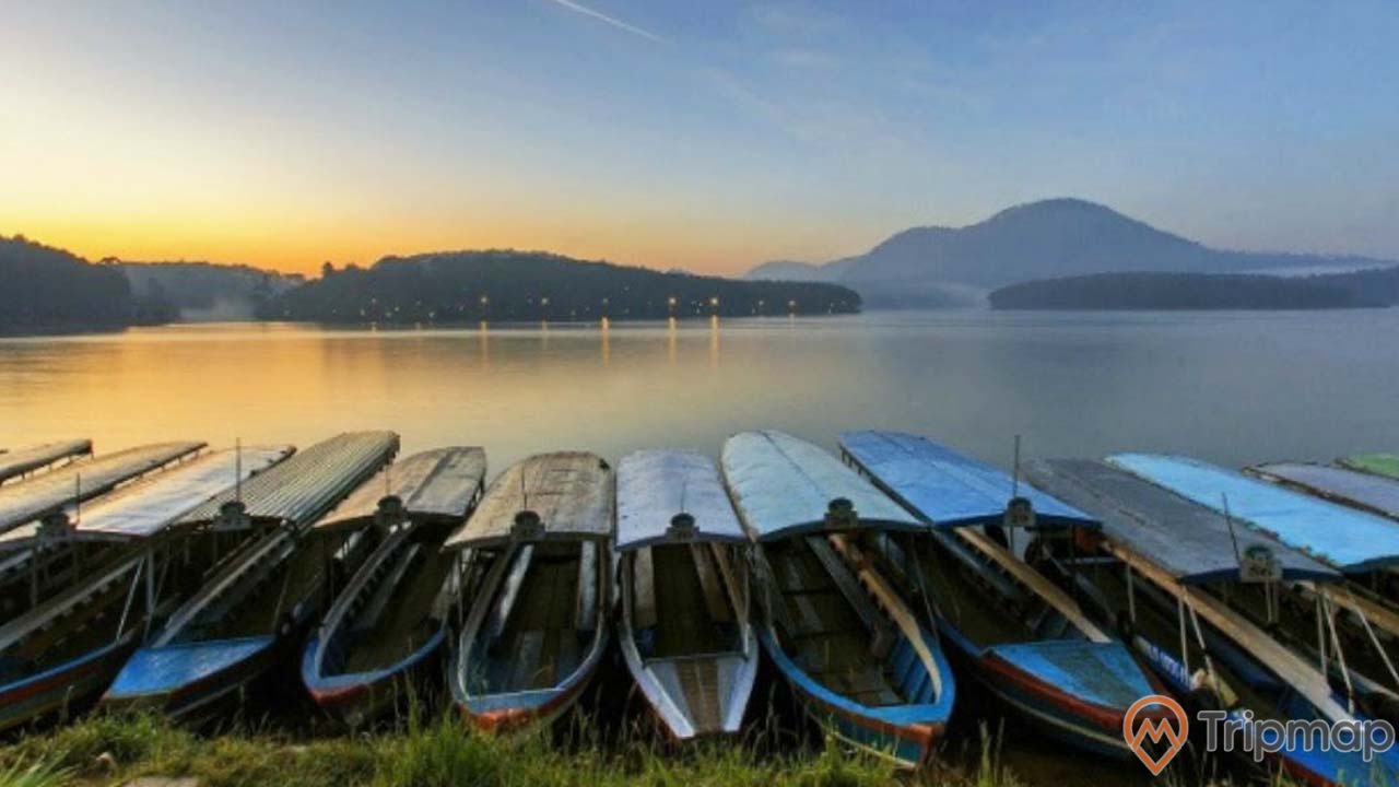 Vẻ đẹp thơ mộng của hồ Tuyền Lâm