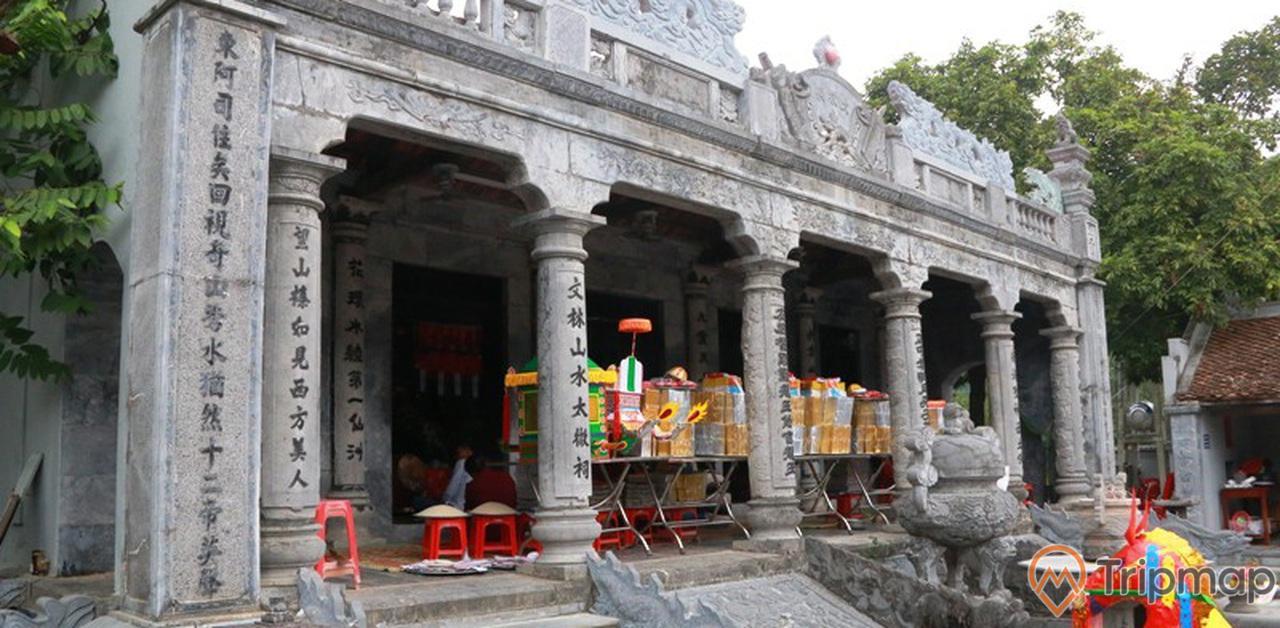 Nét độc đáo, cổ kính tại đền Thái Vi