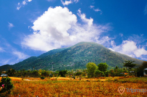 Vẻ đẹp của núi Chứa Chan