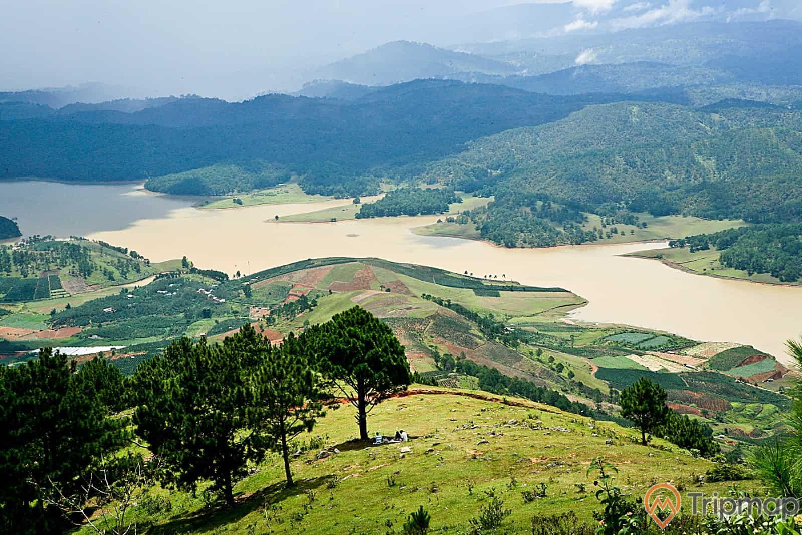 Khung cảnh thiên nhiên tại núi Langbiang Đà Lạt