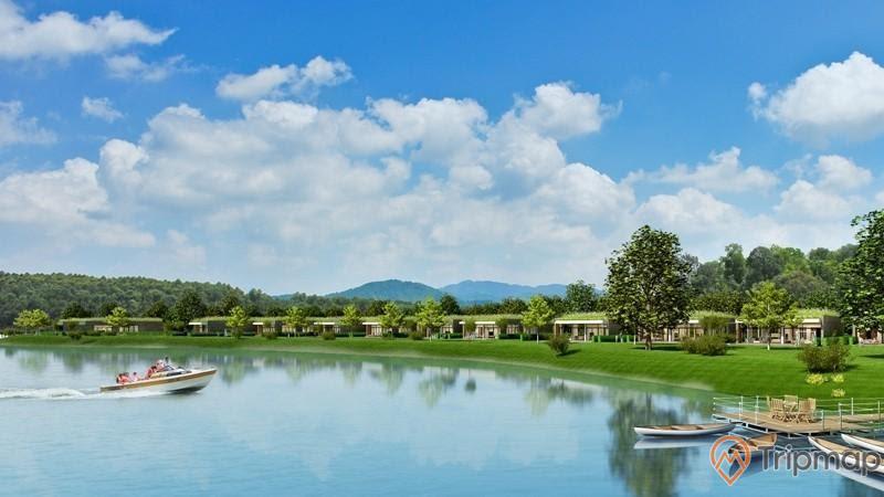 vẻ đẹp khu du lịch hồ đại lải, cây cối xanh tươi, bầu trời nhiều mây trắng