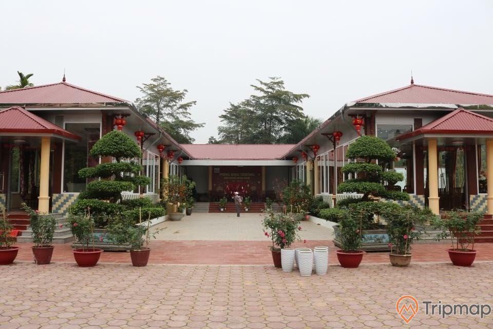 Không gian nhà hàng sân vườn Minh Khuê