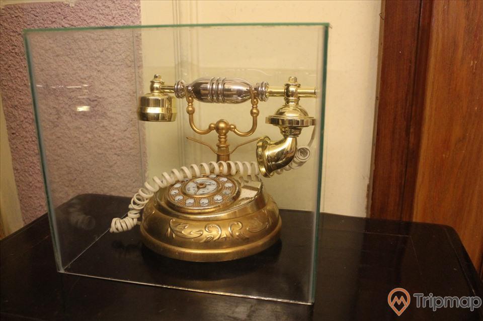 Điện thoại cổ tại biệt thự Bảo Đại