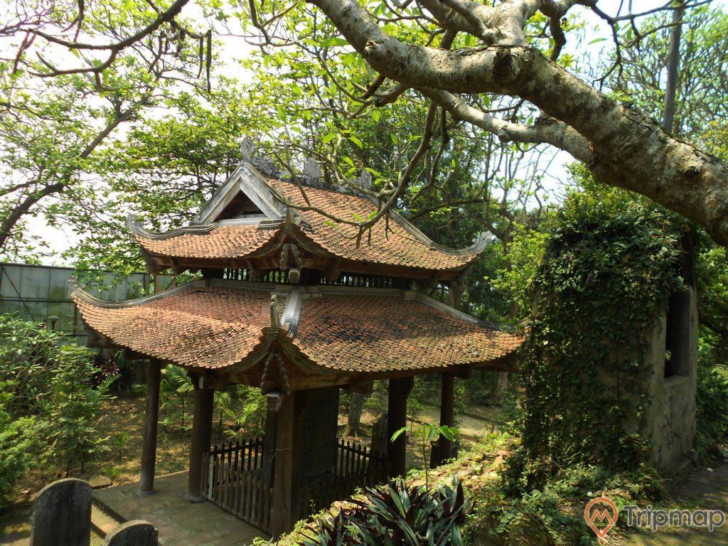 Gác chuông của chùa Long Đọi Sơn