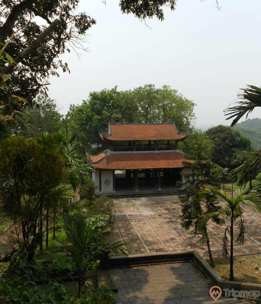 Quang cảnh chùa Long Đọi Sơn