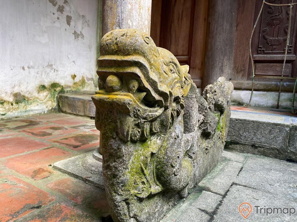 Bức tượng đá hình con Rồng 1000 năm tuổi từ thời Nhà Lý, bức tượng rồng cổ