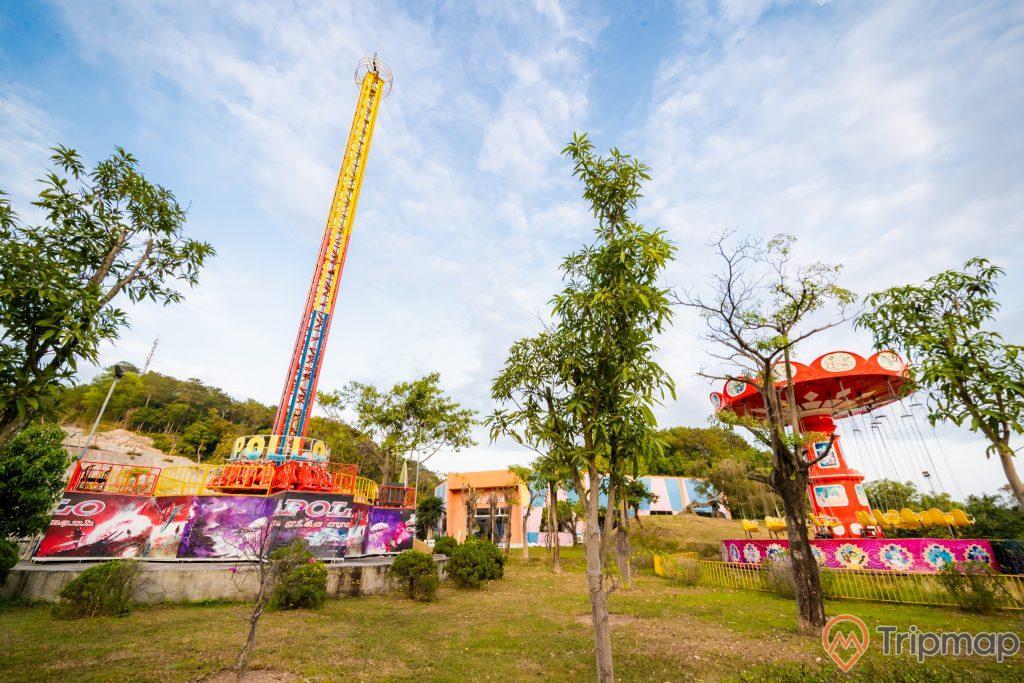 Tuần Châu Park, trò chơi mạo hiểm, nhiều cây xanh, trời xanh nhiều mây, ảnh chụp ban ngày